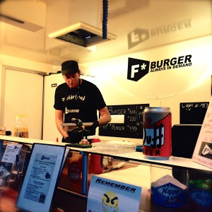 Ein Blick in den f*** Burger Truck beim Street Food Thursday Hamburg