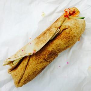 ausgepackter Falafel-Wrap von iFalafel