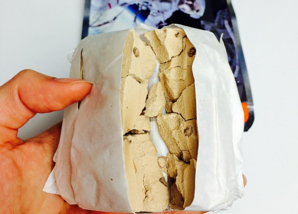 """Bröckeliger Block """"Schokoladeneis"""" Astronautenkost"""