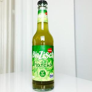 BioZisch Matcha Flasche von vorne
