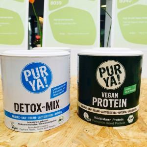 Zwei Dosen Pur Ya! Pulver: Detox und Vegan Protein