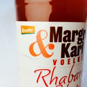 Etikett der Voelkel Margret & Karl Rhabarber Schorle mit demeter Grafik
