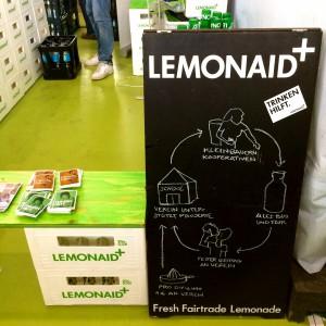 Tafel mit Illustration, wie LemonAid soziale Projekte unterstützt