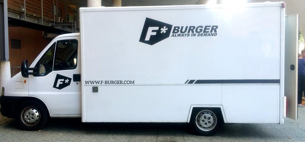 F Burger Truck von hinten