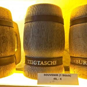 Bierkrug als Souvenir der Teigtasche Hamburg