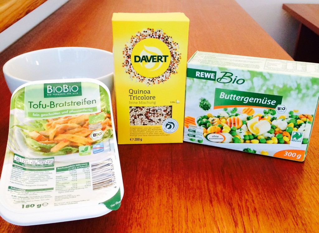 BioBio Tofu-Bratstreifen, Davert Quinoa Tricolore, Rewe Bio Buttergemüse