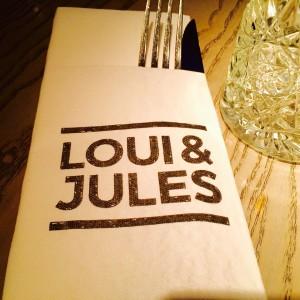 Serviette mit Loui & Jules Bremen Logo