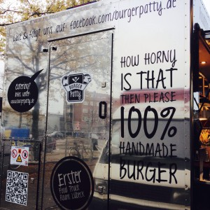 "Food Truck mit Aufschrift ""How horny is that then please"""