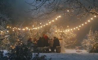 Weihnachtsessen im Schnee - Weihnachten von Herzen