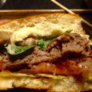 Abgebissener Burger - Querschnitt