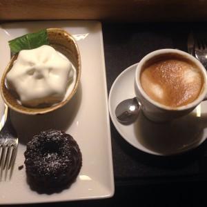 Ohne Kirschen aber mit Kaffee