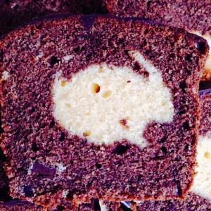 Mamorkuchen mit hellem Kern aus Häschenform - Ostern Kuchen