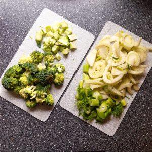 Geschnippeltes Gemüse: Brokkoli und Fenchel