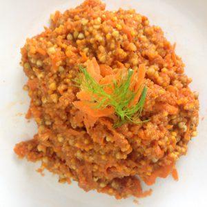 Grundmasse mit Karottensaft von oben