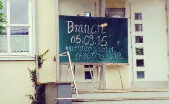 """Tafel mit der Aufschrift """"Branch"""""""