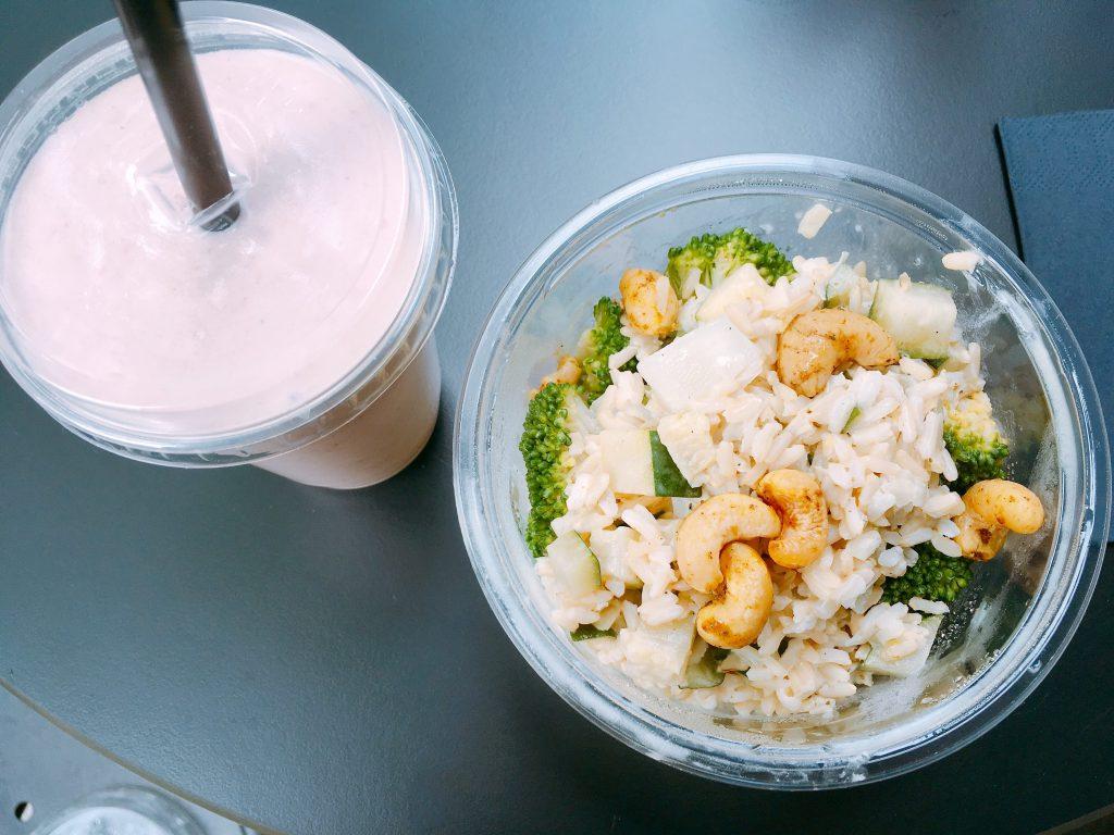 Cocosmilch Shake und Reisgericht