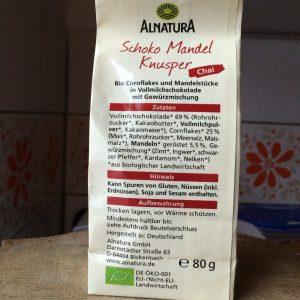 Schoko Mandel Knusper Chai Verpackung in Rückansicht mit Zutatenliste